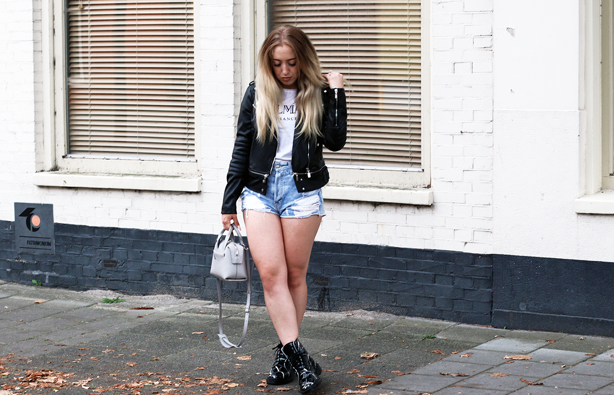 outfit of the day  marble dr martens  lily like