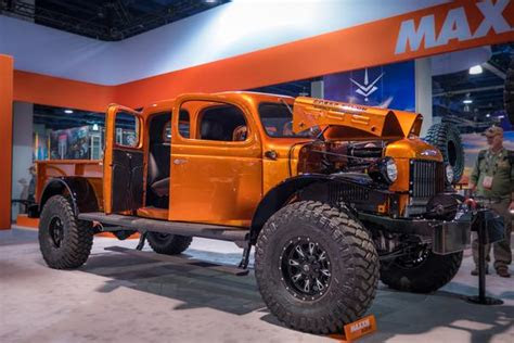 decked sema show mariachi tacos diesel brothers