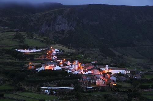 Mosteiro e Rocha dos Bordões(ilha das Flores)