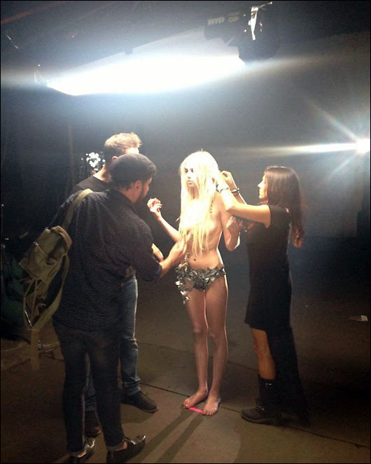 taylor momsen topless for video shoot