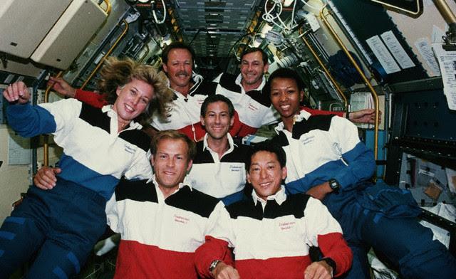 Sep12-1992_STS-47crew