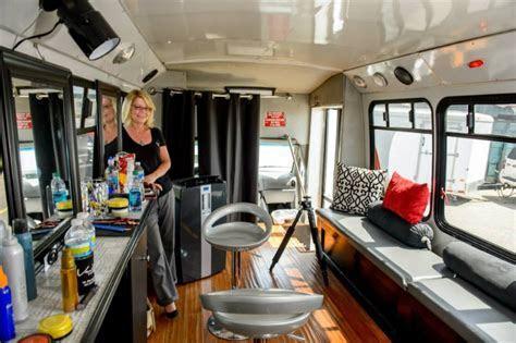 Style Bus   Vanity Salon