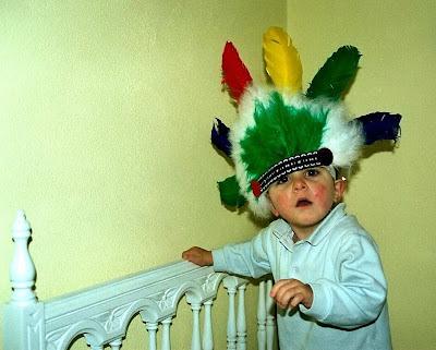 Iago con plumas de indio