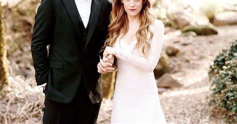 Riley Keough Wears a Classic, Vintage Inspired Wedding