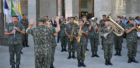 Banda da Polícia Militar recebeu os carteiros na Agência Central / Foto: Divulgação