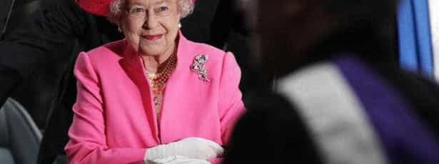 Rainha Isabel II alvo de bullying em rede social