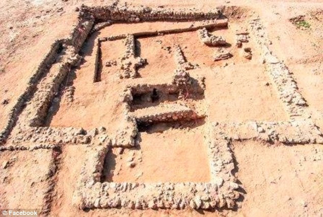 His team claim to have found evidence of a city that was expanded and given defences of thick walls and ramparts, including a 5.2-metre thick mudbrick wall of 10 metres high.