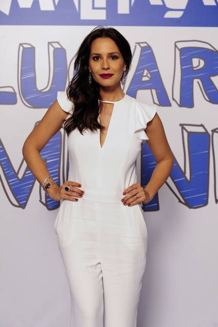 Juliana Knust, atualmente, na coletiva de imprensa da novela temporada de 'Malhação'