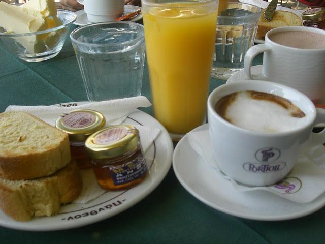 breakfast at makrinitsa pelion