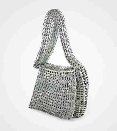 Όμορφη τσάντα από καπάκια αναψυκτικών