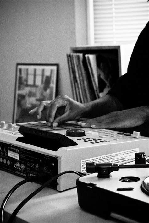 http://nova-beatz.tumblr.com/ | Home studio music