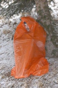trash bag shelter1 Make a Garbage Bag Shelter Part of Your  Survival Kit