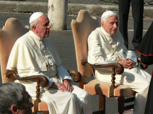 Risultati immagini per due papi