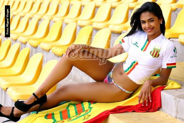 Cinthya Cavalcante Estudante de engenharia, modelo, atleta e promotora. 23 anos, 1.70m e 55 kg.