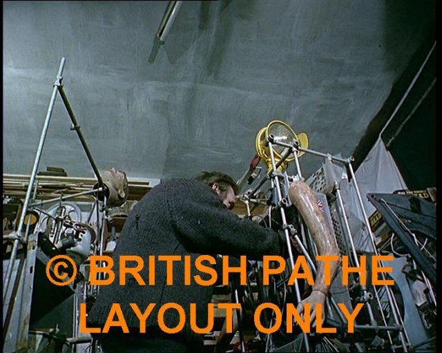 Bruce Lacey RosaBosom robot lacey17 x640 1965   ROSA BOSOM   Bruce Lacey (British)