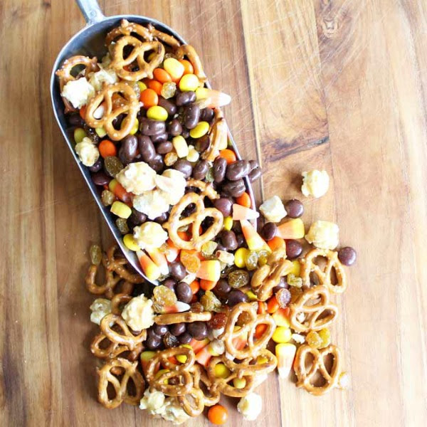 Halloween Snack Mix by The Country Chic Cottage