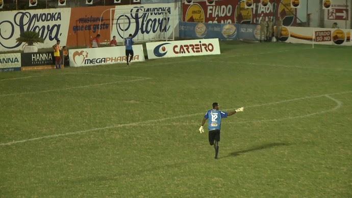 esporte de patos, venícius ninão, goleiro (Foto: Reprodução / TV Paraíba)