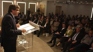 "Un moment de la xerrada de Puigdemont al ""think tank"" Chatham House (ACN)"