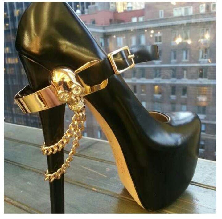 Love the shoe jewelry