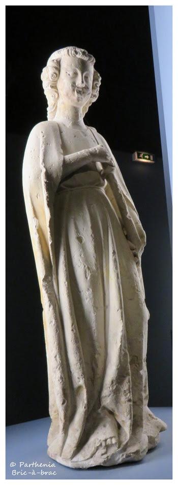 statue d'un Ange sonnant de la trompette