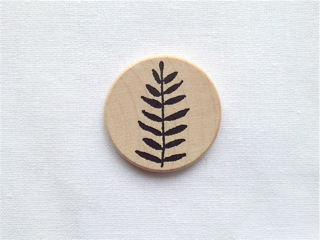 Illustrated Wooden Brooch Round Brooch with Plant Illustration Minimalist Brooch Pin