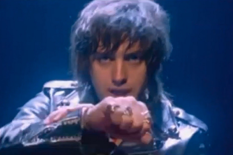 036-daft-punk-featuring-julian-casablancas-instant-crush-music-video-preview-0