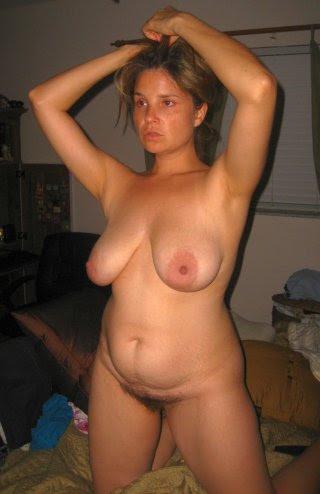 Hausfrau mit haariger Fotze