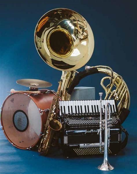 Home   Raya Brass Band   The Balkan Sound of NYC   Eastern