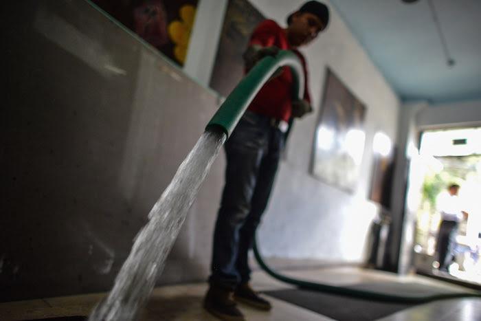 La Conagua ya ha demostrado desde su fundación que no ha hecho bien la tarea, ha hecho más bien el trabajo muy mal y tan es así que nuestras aguas están contaminadas: Greenpeace. Foto: Cuartoscuro.