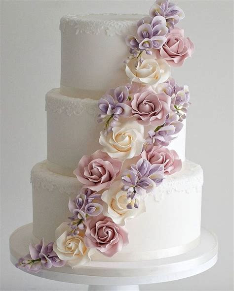 Best 25  3 tier wedding cakes ideas on Pinterest   Elegant