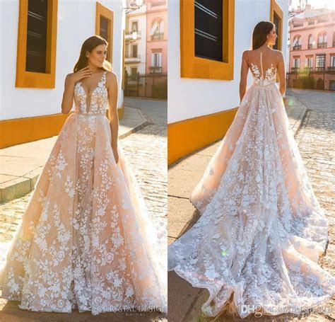 Crystal Design 2017 Bridal Sleeveless Straps Deep Plunging