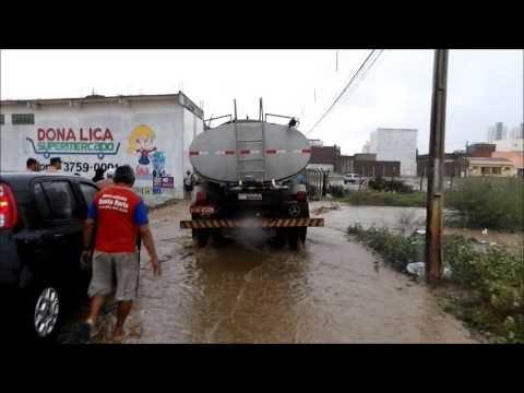 Vídeo mostra enchentes e alagamentos em Santa Cruz do Capibaribe