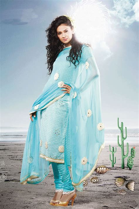 Beautiful Salwar Kameez Design for Eid   SheClick.com