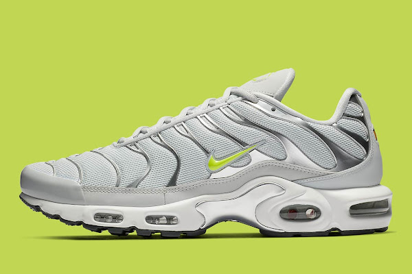 bbc730d6e0 Nike Air Max Plus Arrives In Light Grey And Volt