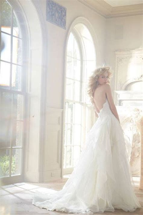 Top Do's & Don'ts for Stress Free Wedding Dress Shopping