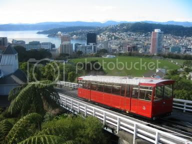 My very own picture of the departing cable car