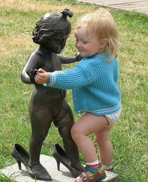 Μικρά παιδιά σε δράση...!