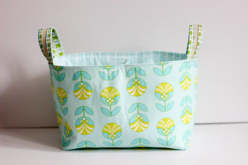 Color Me Retro Divided Basket by Jeni Baker