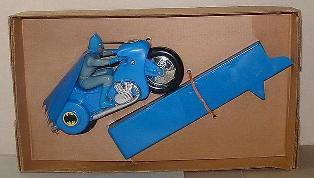 ahibatcyclebatman_ahiZoomcycle1