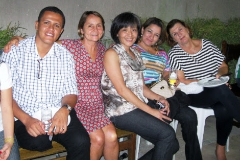 Desta vez, na companhia de Jenifer Patricia e Mônica Yamaoka, enfermeira e fisioterapeuta do CMW, respectivamente   Foto: Lázaro Britto / Blog Passo Firme