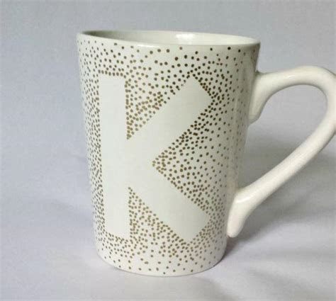 Cute and Cheap DIY Mugs   FaveCrafts.com