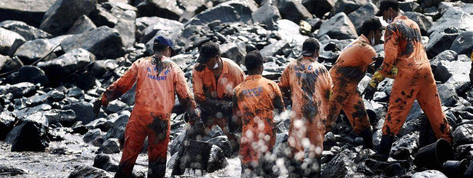 Chennai oil spill: Governing agencies trying to hide the problem rather than focussing on solutions