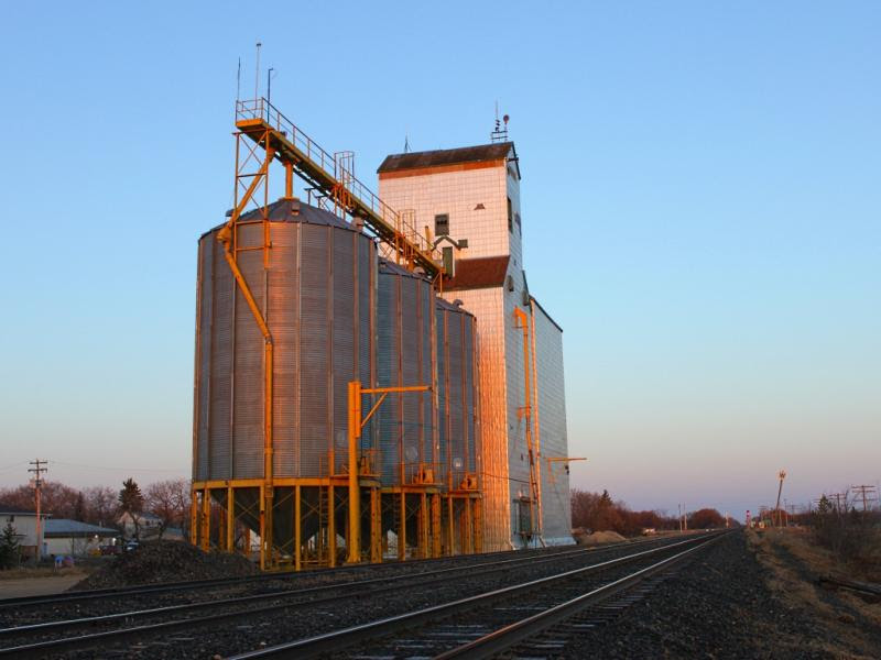 Sunrise at the Dugald elevator