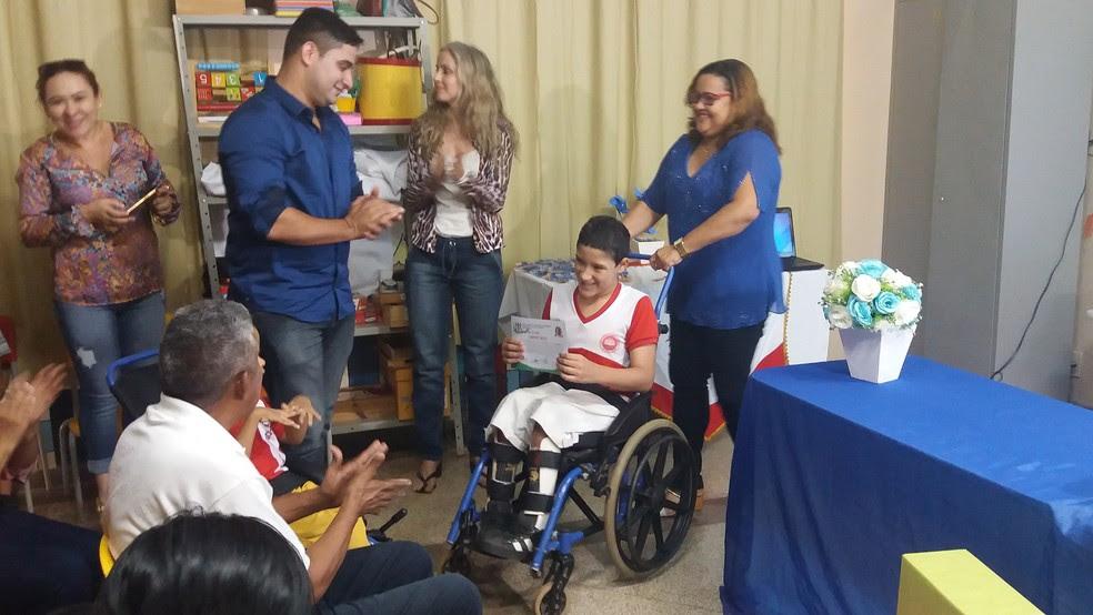 Doação ocorreu nesta quinta-feira (20) para seis escolas da rede municipal (Foto: Jéssica Alves/G1)