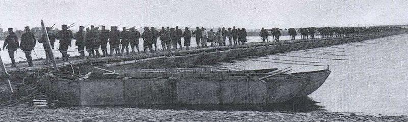 File:Japanese Troops Crossing the Yalu River.jpg