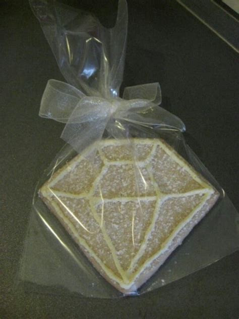 Diamond cookie favor for a 60th wedding anniversary. Use a