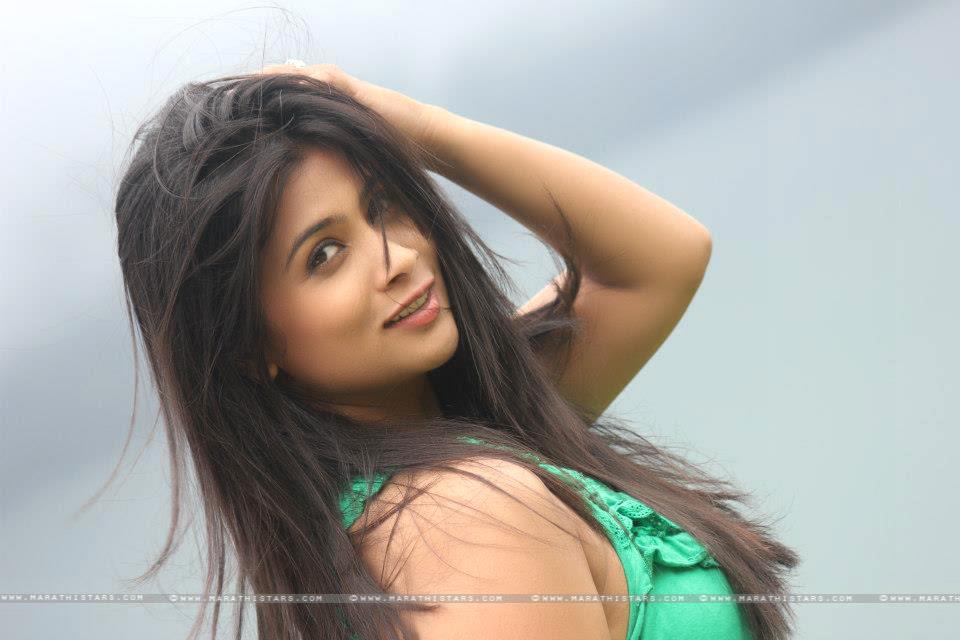 http://marathistars.com/wp-content/uploads/2012/10/Ruchita-Jadhav-Marathi-Actress.jpg