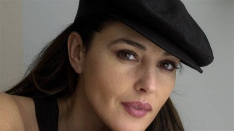 Full HD Wallpaper monica bellucci natural attractive hat