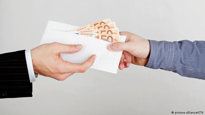 Symbolbild Korruption (picture alliance/CTK)