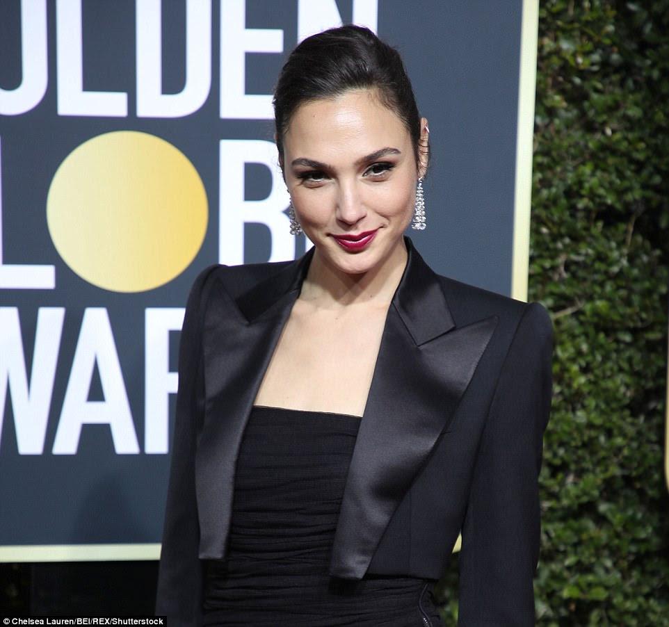 Trend setter: No outro extremo do espectro estava a tendência do blazer;  atrizes como Gal (foto) e América Ferrara mergulharam a capa sobre os olhares escolhidos